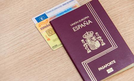 Si mañana te independizas de España, ¿dejarías de ser español? Hasta Rajoy lo entendería explicado así
