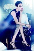 Mila Kunis, por Dior, qué glamourosa te pones