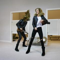 Foto 11 de 19 de la galería las-botas-ugg-se-reinventan-para-lucir-los-pies-mas-calentitos-con-mucho-estilo-y-copiando-a-las-it-girls en Trendencias