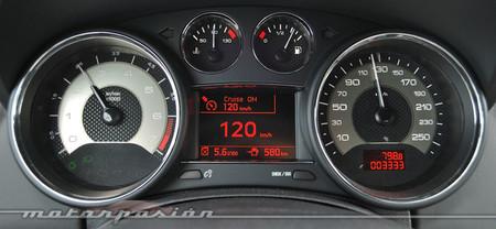 Peugeot RCZ 2013 tablero de instrumentos