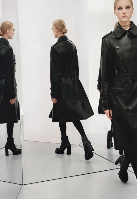 ¿Eres fan del total black? Necesitas estos 17 zapatos de Zara en tu armario