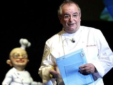 Juan María Arzak recibe el premio nacional de gastronomía tradicional Lola Torres
