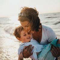 Madres solteras por elección: el camino en solitario a la maternidad contado por dos mamás