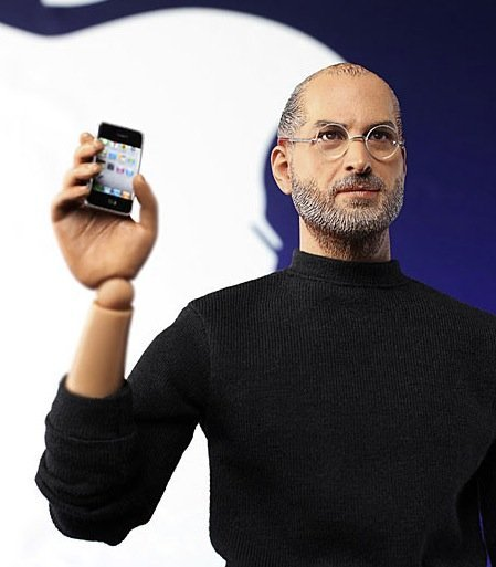 steve-jobs-figura-iphone.jpg