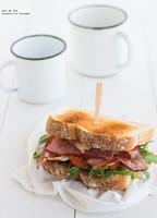 Sándwich de rúcula y bacon. Receta