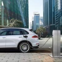 Cada vez se venden más coches híbridos y eléctricos, pero aún están lejos de las mecánicas convencionales