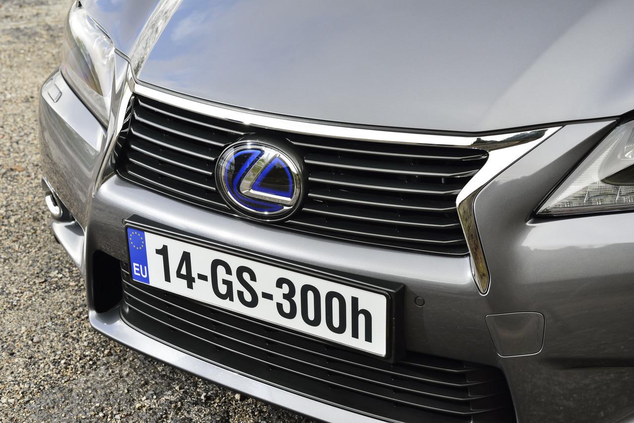 Foto de Lexus GS 300h (76/153)