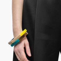 7 pulseras llenas de color para vestir tus muñecas