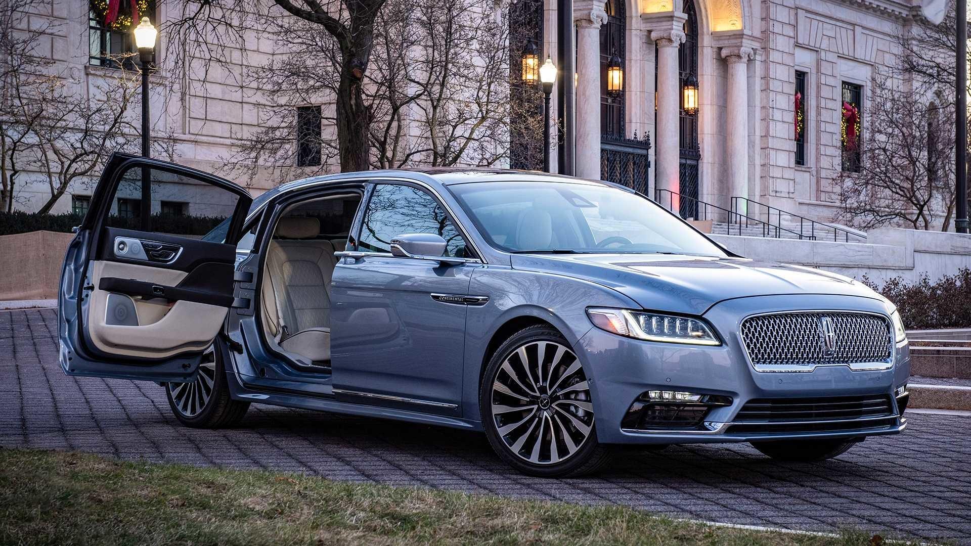 Foto de 2019 Lincoln Continental 80th Anniversary Coach Door Edition (1/30)