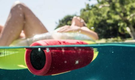 Guía de compra de altavoces Bluetooth resistentes al agua (2019): 7 altavoces inalámbricos para llevar a la playa o piscina