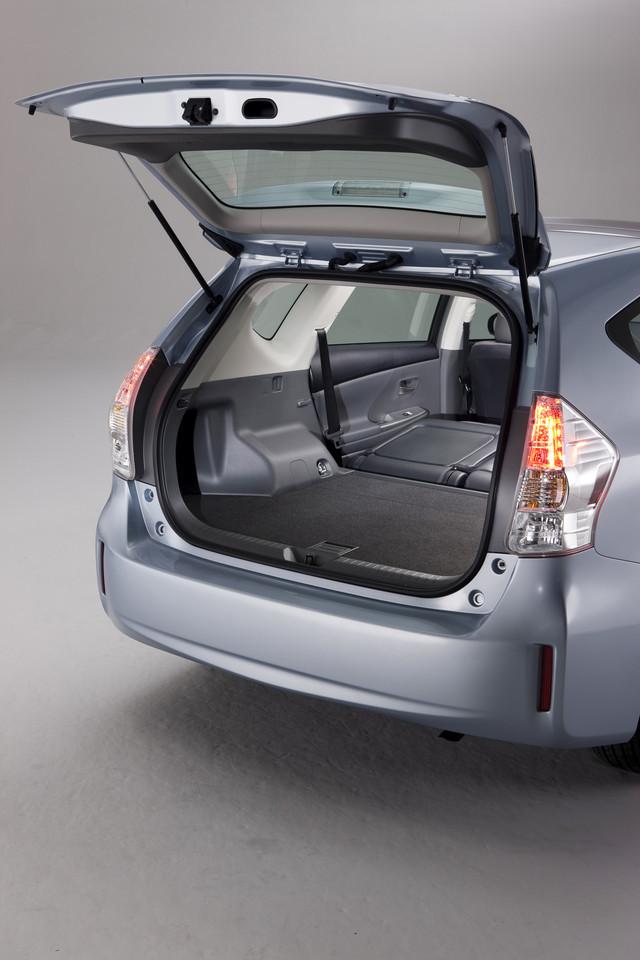 Foto de 2011 Toyota Prius v (47/77)