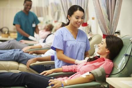 ¿Puedo ser donante de sangre? Todo lo que tienes que saber antes (y después) de donar