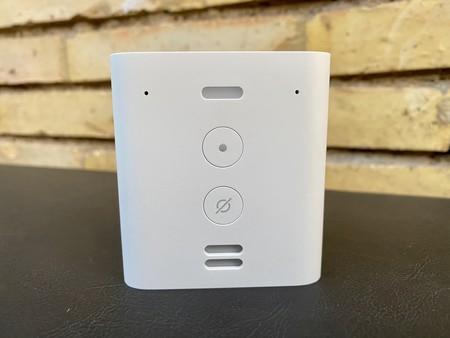 Amazon Echo Flex, análisis: el más pequeño de la familia Echo no es un altavoz, es Alexa vitaminada