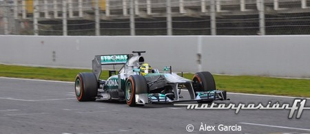 Nico Rosberg marca el mejor tiempo del primer día de pruebas en Barcelona