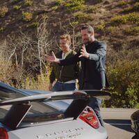 Keanu Reeves, un Porsche Taycan Turbo y la autopista del Pacífico: el documental perfecto de fin de semana