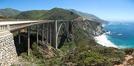 Las 17 carreteras de montaña en las que disfrutar viendo y conduciendo