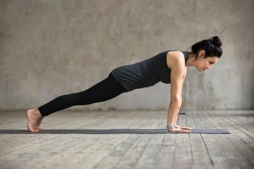 Entrena tus abdominales en el gimnasio: los tres mejores ejercicios para tu zona media