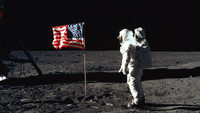 TNT rinde homenaje a Neil Armstrong y prepara 'One Giant Leap'
