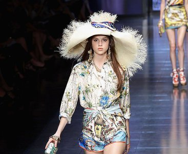 D&G Primavera-Verano 2012: sedas de Jaipur, cuerpo de paisley y un adiós
