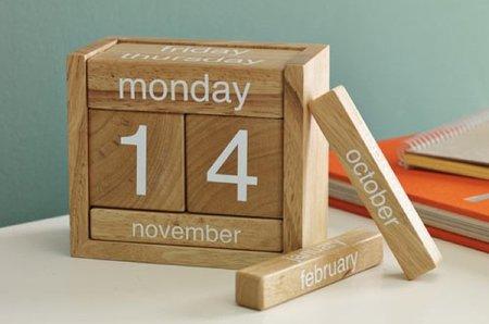 Calendario perpetuo de madera