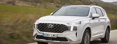 Probamos el nuevo Hyundai Santa Fe híbrido de 230 CV: un SUV de siete plazas cómodo con aspiraciones premium