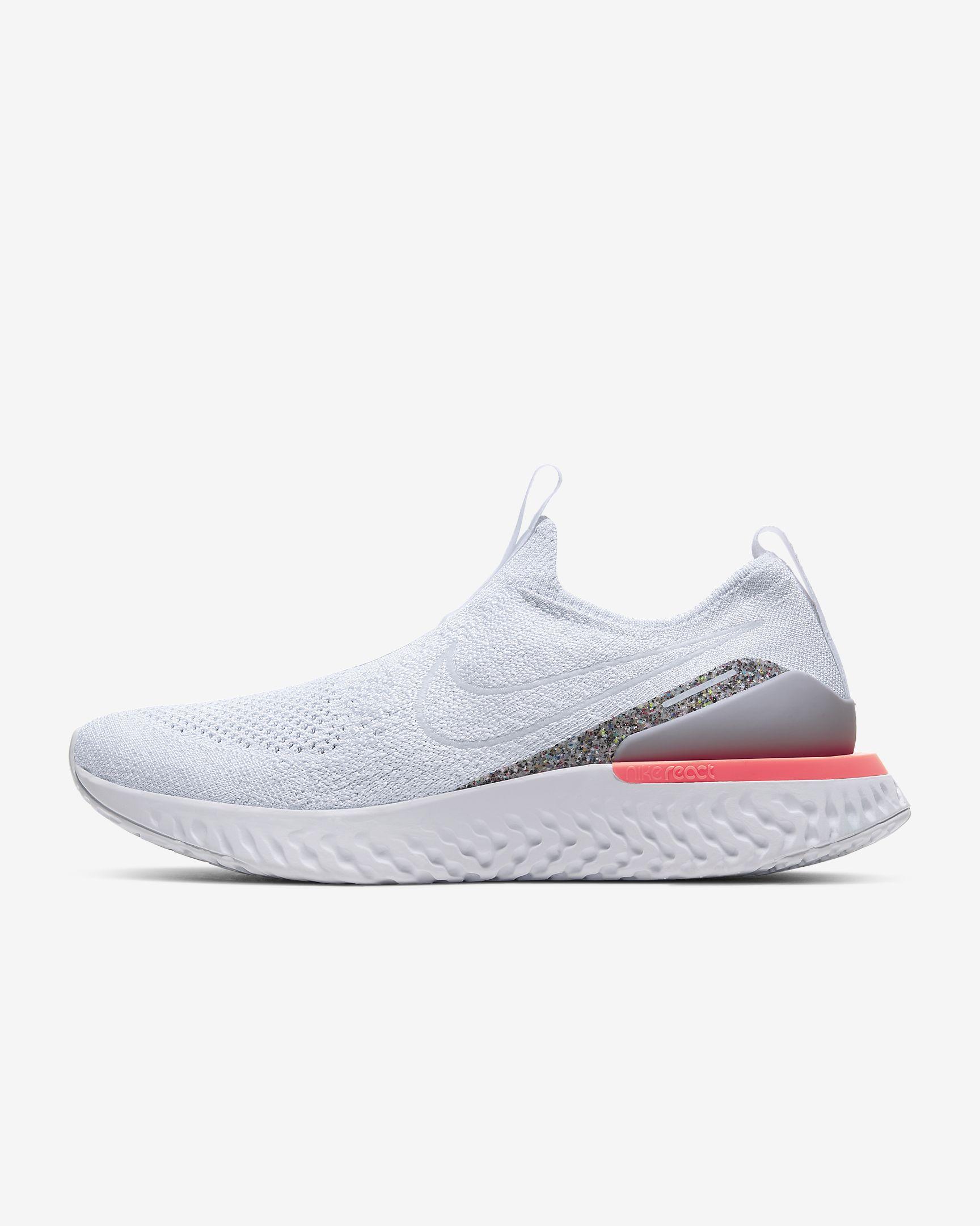 15 zapatillas blancas que combinan con todo y encima están