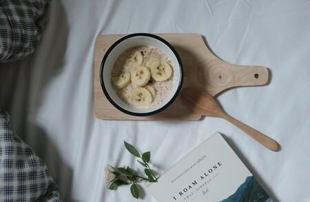 Porridge de avena con plátano. Receta saludable