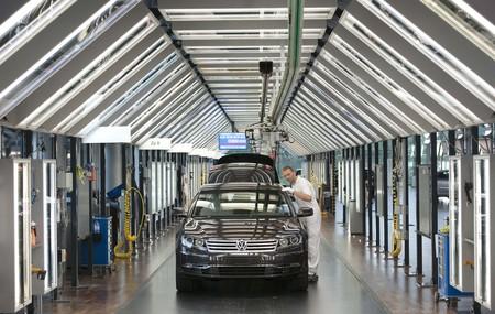 50% menos concesionarios y 66% menos producción europea: la automoción se enfrenta a una tormenta perfecta