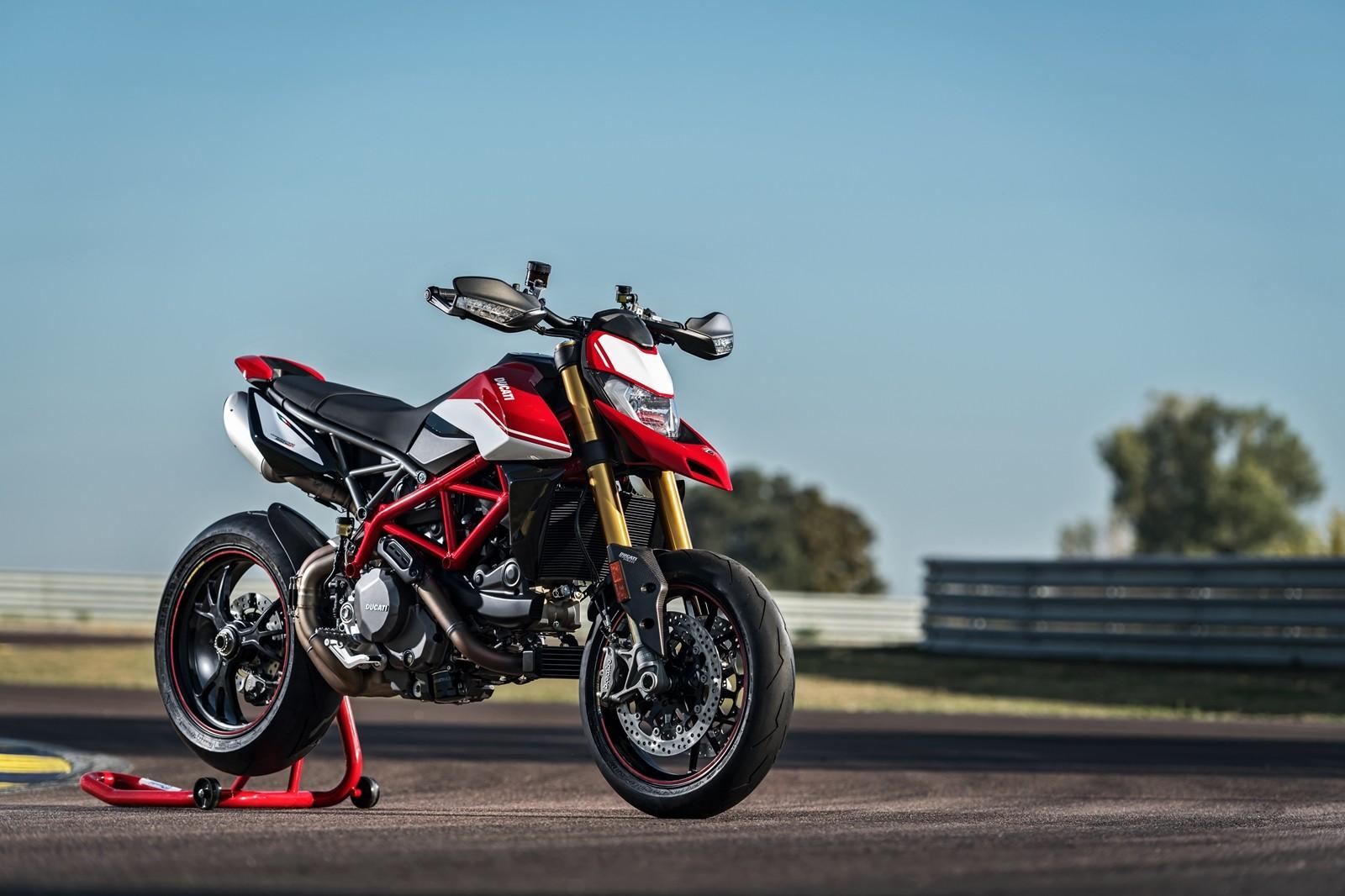 Foto de Ducati Hypermotard 950 2019 (72/76)