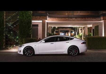 Tesla Model S 2017 1600 0d