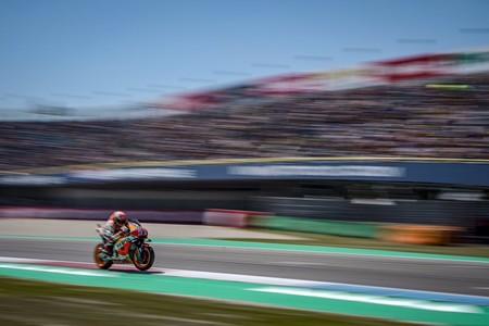 Marc Márquez firma su primera pole de MotoGP en Assen con una Q2 loquísima