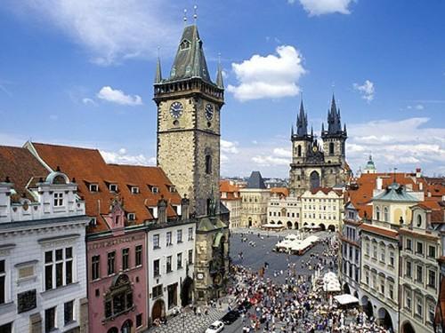Cómo llegar del aeropuerto al centro de Praga