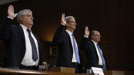 """Tim Cook declara ante el Senado: """"Apple es el mayor contribuyente de los EE.UU."""""""