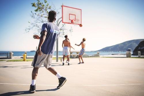Remate final en Décimas con descuentos de hasta el 70% en ropa deportiva y zapatillas de marcas como Adidas, Nike o Reebok
