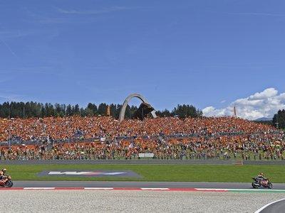 Si quieres apoyar a KTM, hazlo en las KTM Fan Tribune desde 150 euros con regalos, aparcamiento y comida