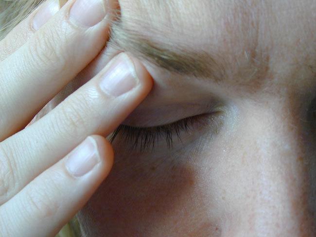 tecleteos para contorno de ojos