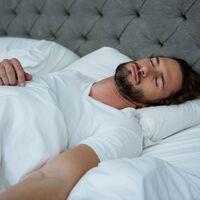 La dieta influye en tu descanso nocturno: así puedes mejorar el sueño con ayuda de la comida