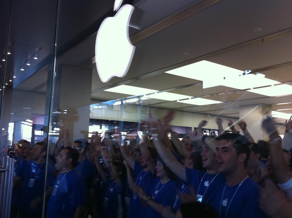 Foto de Inauguración Apple Store La Maquinista (43/93)