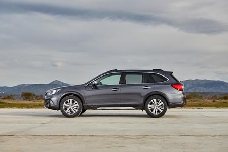 Subaru Outback Silver Edition 03
