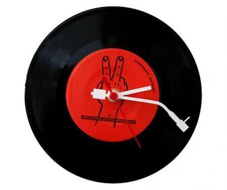 Recicladecoración: relojes con tus discos de vinilo