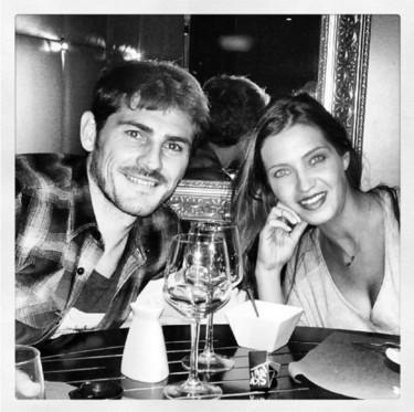 Íker Casillas y Sara Carbonero, de charleta con un cura: ¿boda a la vista?