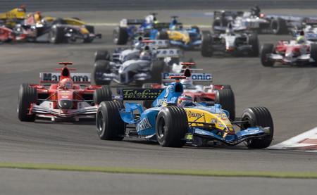 Gran Premio de Baréin 2005: Fernando Alonso y Pedro de la Rosa acaparan el protagonismo