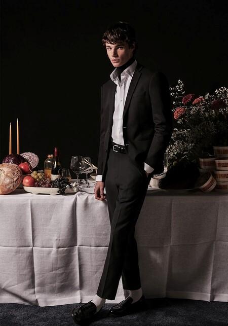Vestir de negro: el recurso infalible para los looks de fiesta de Sfera