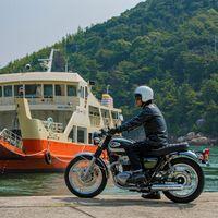 La Kawasaki W800 se une a la gama de motos clásicas con una postura más racional y hasta arriba de cromo