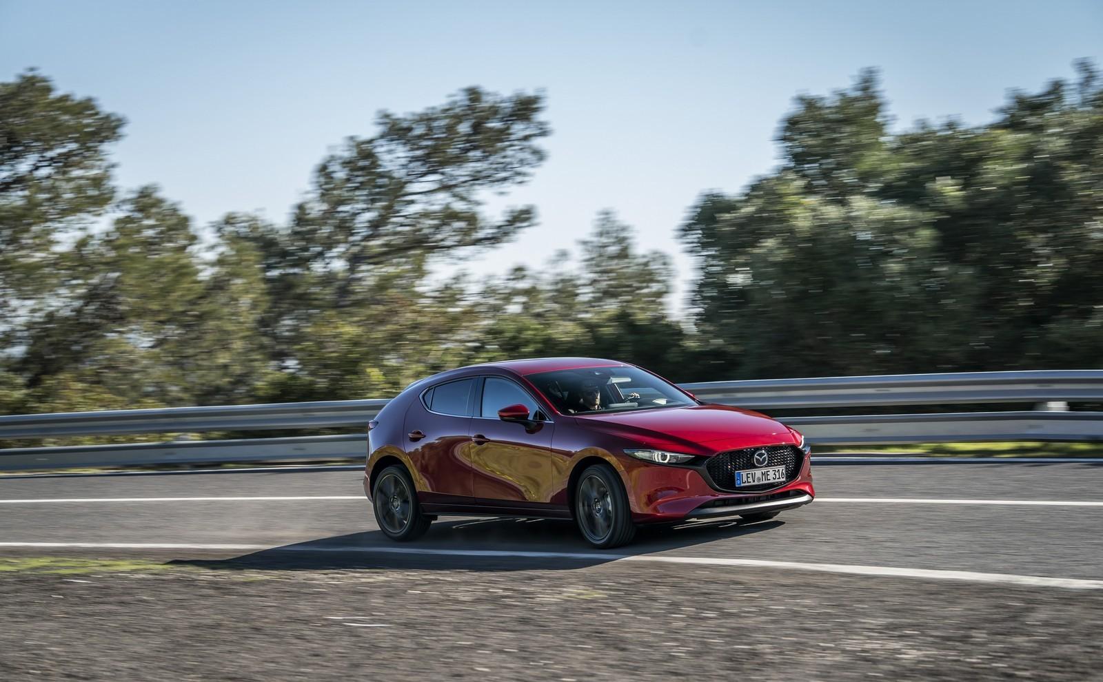 Foto de Mazda3 2019 (69/128)