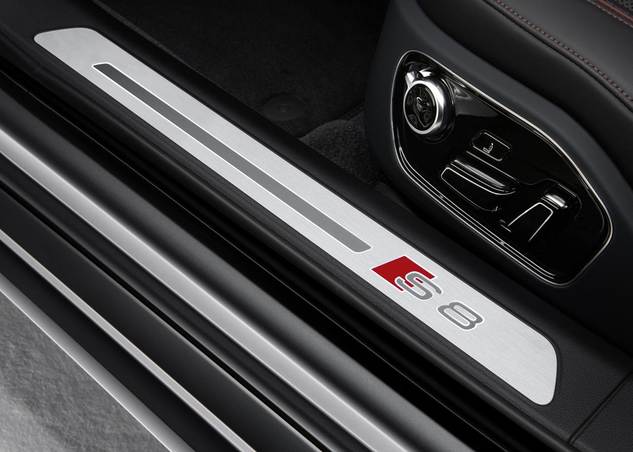 Audi S8 Plus (15/23)