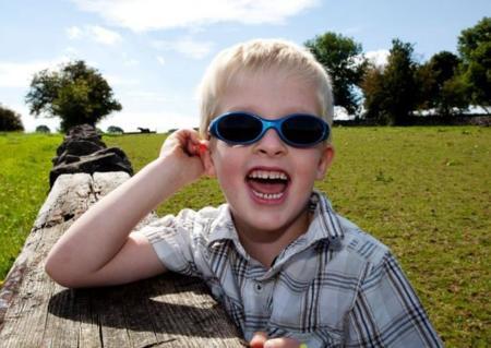 Cuatro gafas de sol para niños para proteger correctamente su vista este verano