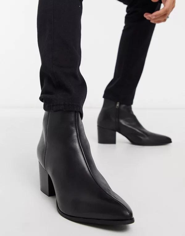 Botines Chelsea de tacón con puntera en punta de cuero negro y suela negra de ASOS DESIGN