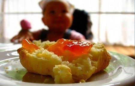 Los niños desayunan peor si lo hacen en solitario