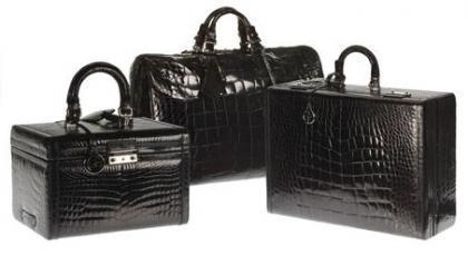 Nueva línea de maletas Giorgio Armani